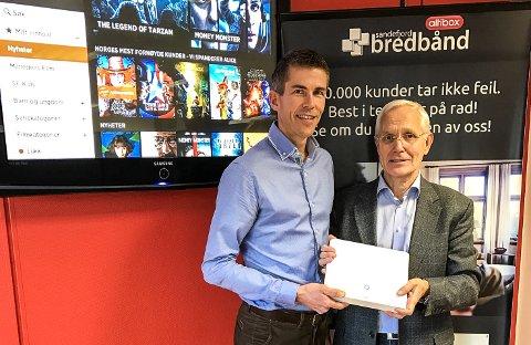 STOLTE: Claus Fevang Vidum (t.v.), salgs- og markedssjef i Sandefjord bredbånd, og Knut Aadne, daglig leder, er fornøyde over å være med i Altibox-partnerskapet. Arkivfoto.