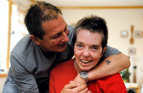 EKTEPAR: Knut og Merete Grane ble skutt i Badeparken 14. januar 2011, og livet har ikke vært det samme siden. Hver dag er en kamp, sier Knut. Bildet er tatt et halvt år etter skuddepisoden.