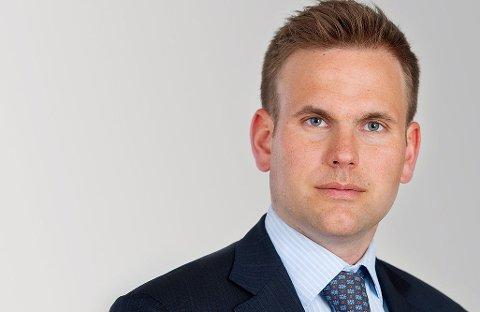 JORDNÆR FINANSTOPP: Torkell Tveitevoll Eide er forvaltr i Ako Capital i London. I tillegg er han nå bonde i Sandnes. Foto: finnotes.org