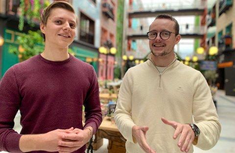 STARTET FOR SEG SELV: Emil Nygård (til venstre) og Henrik Berge Syvaldsen har funnet seg godt til rette i kontorlokalene FOMO på Forus