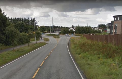 Ny atkomstvei til det nye sykehuset skal legges fra Kristine Bonnevies vei på Grannes. Under denne veien blir det også undergang og gang- og sykkelvei.
