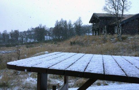LAVER NED: - Det snør godt her oppe nå, forteller TAs mann i Rauland, søndag formiddag.