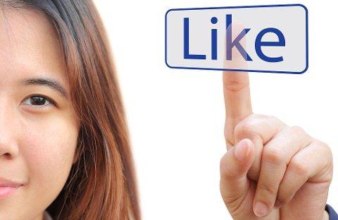 KJØREREGLER: Har du først møtt noen gjennom sosiale medier, er det et par forholdsregler det gjelder å følge. FOTO: COLOURBOX