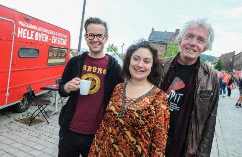 KLARE: Kristian Grennes, Trond Hannemyr og Anette Röde Hagnell presenterer programmet for årets teaterfestival.