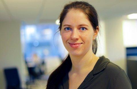 ØKONOMI: Christine Sofie Sæthre fikk en oppvekker da hun i november ikke hadde råd til togbilletten. Det ble starten på et nytt spareeventyr. Foto: Vegard M. Aas