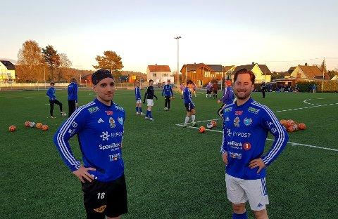 PÅ MED DRAKTA: Alexander Lilay (t.v) og Adrian Nilsen vil av med treningsgenseren og på med Storm-drakta. De venter fortsatt tålmodige på neste kamp.