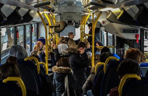 KORONA: Kriseledelsen i Tønsberg har fattet vedtak om krav til ekstra smitteverntiltak i skoleskyss for elever fra Tønsberg kommune.