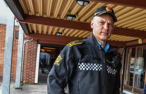 SYNLIG: Det viktigste politiet kan gjøre i forbindelse med gjenåpningen er å være synlige i bybildet, mener seksjonsleder Andreas Mørkve i politiets patruljeseksjon.