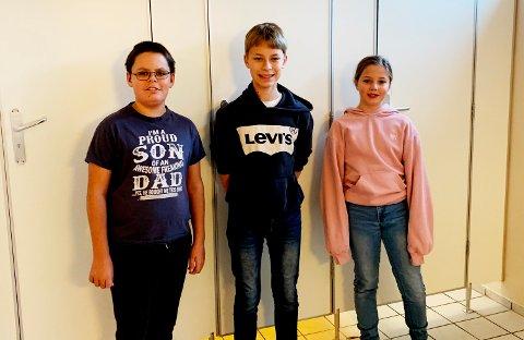 SKREV BREV: Skolens elevrådstyre William E. Sande Larsen (7.trinn), Max M. L. Christiansen (7.trinn), Ida Tveiten (6.trinn) har bedt om oppgradering av toalettene på skolen.