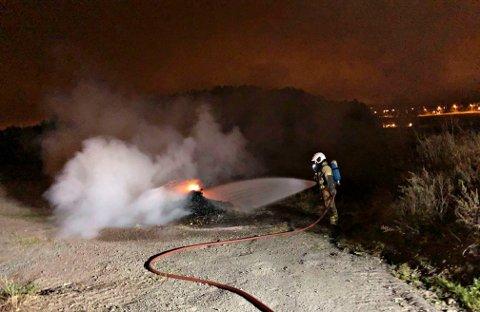 FIKK SLUKKET: 3.000 liter vann gikk med for å slå ned flammene.