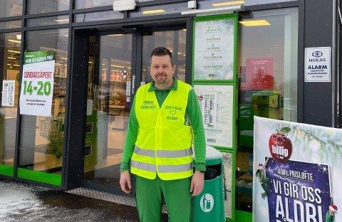TIDLIG: Butikksjefen på Kiwi Reinsvoll håper folk benytter seg av muligheten til å handle tidlig. For å regulere trafikken på travle dager har de opprettet en kundevert-ordning.