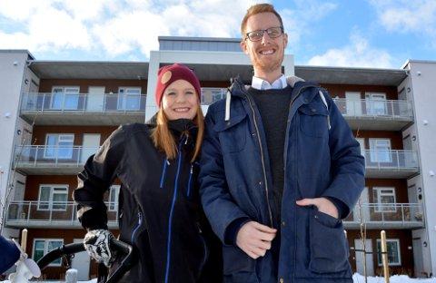 Trude Holm og Torleif Løvfald Gaard tror på nye bekjentskaper for seg sjøl og mange andre, etter at de stod fram i avisa og satte ord på hvordan de opplevde det å være nyinnflytter på Fagernes.