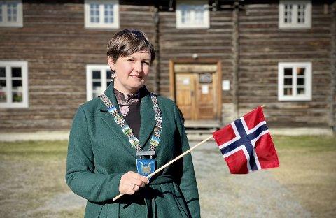 Gleder seg: Ordfører i Sør-Aurdal, Marit Hougsrud, leder den felles, regionale sendinga på nett.