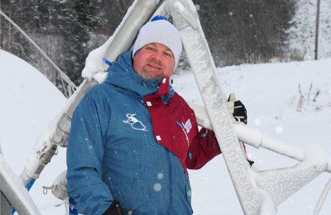 MER OPTIMISTISK: Daglig leder Richard Palmgren vil savne det den sosiale møteplassen som Ski- og bruktmessa til Hakadal Alpin & Freeski er blitt. Samtidig er han optimistisk på vegne av Varingskollen Alpinsenter.