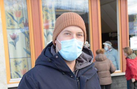 PRESSET PÅ LEVERANSER: Kommunelege Gudmund Myhren har for øyeblikket ingen vaksiner å gi ved dørene.