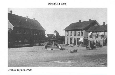 Drøbak torg i ca. 1920, året da folketellingen ble gjennomført.