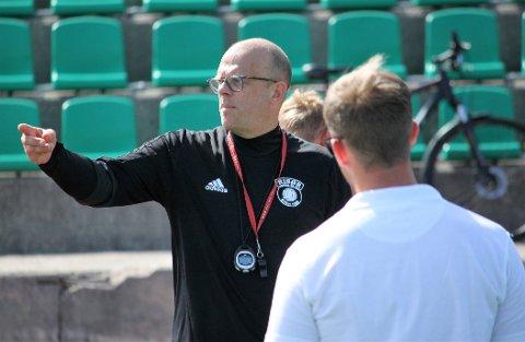 NED I KJELLEREN: Rune Norgaard (bildet) og Risørs A-lag skal spille i kjellerdivisjonen når fotballen starter opp igjen. Det ønsket et klart flertall av spillerne.