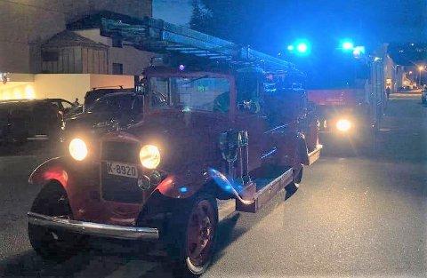 PÅ JOBB: Knut Bruhjells AA-Ford fra 1931 har ikke vært på brannutrykning siden 1967. Sent onsdag kveld gjorde bilen comeback!