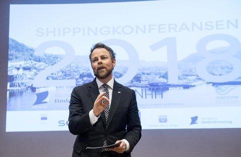 Næringsminister Torbjørn Røe Isaksen ser for seg en enorm teknologisk og digital utvikling i maritime næringer. FOTO: ARNE RISTESUND