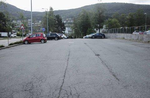 Da BA var i Fyllingsdalen tirsdag morgen, var det omkring 40 ledige parkeringsplasser ved Fyllingsdalen Idrettshall.