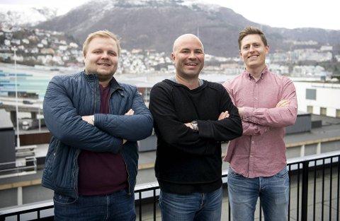Jonas Johnsen (t.v.) deler sine nordnorske tanker om en byttehandel mellom Brann og Tromsø. Jan Gunnar Kolstad og Einar Lundsør må høre på – det må du også!