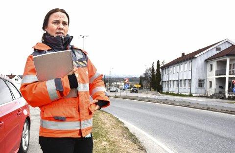 PÅ VENT: – Vi kan ikke legge fram traséforslagene til ny rv. 35, før vi har fått tilbakemelding fra departementet, sier Kari Floten, prosjektleder i Statens vegvesen.