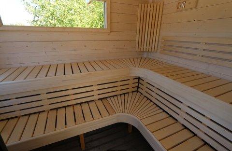KANSKJE SÅNN: Slik ser Coastal Adventures for seg at den nye, flytende badstua kan bli.