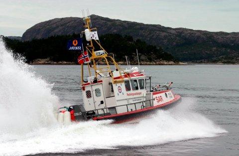 I FARTA: Sjøredningskorpset i Gulen og Solund vil leggje ut kaianlegg for RS «Utvær» i Sløvåg. Arkivfoto