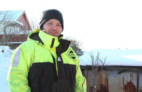 PÅ TILBODSSIDA: Thomas Buarøy har gått til anskaffing av ein ATV, som han mellom anna vil bruke til å rydde snø for folk vinterstid.