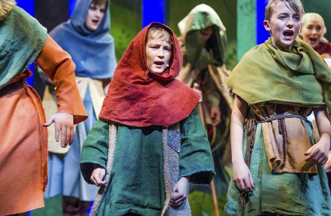 Debutant 1: Sander Michelsen (10), spilte «Peter Robin» i sin første opptreden på en teaterscene. Rollen mestret han godt.