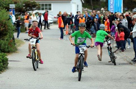 POPULÆRT: Barnevarianten av triathlom var et populært innslag ifjor. Foto: Harry Johansson