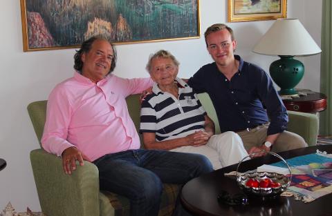 STATLIG: Råde Frp, her ved kommunestyrerepresentantene Kent Wigardt (t.v.) og Martin Ørmen (t.h.) og veteran Kari Bakke, foreslår at staten skal overta finansieringen av omsorgstjenester i kommunen.