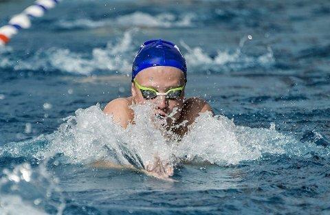 OPPLÆRING: Kongstensvømmerne skal hjelpe lærerne med svømmeundervisningen.
