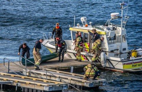 Store redningsmannskaper var i sving i Onsøy onsdag. – Lærerne ble avhørt på stedet og vi skal også avhøre elevene for å få klarhet i hvilke vurderinger som er gjort, forteller politiets operasjonsleder.
