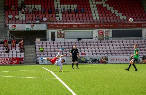 Årets mål: 1-0-scoringen til Nicolay Solberg var en perle av de sjeldne.