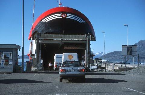 Denne fergen kjører Bognes-Lødingen.