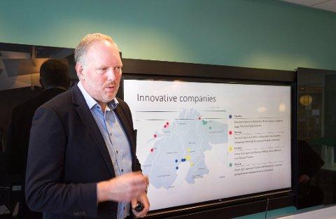 Dekan Erlend Bullvåg ved Nord Universitet. Presenterer Business Index North 2018