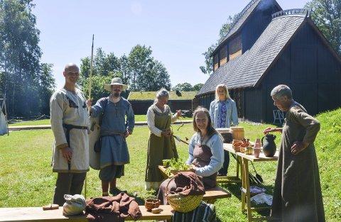 VIKINGTID: Gjengen på Midgard gjenskaper vikingtida denne sommeren med aktiviteter og moro. ALLE FOTO: Jenny Marie Baksaas