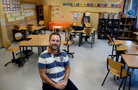KLAR: Niklas Cederby er klar for klasserommet og lederskolen til Høyre.