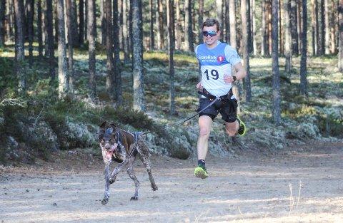 GIKK UNNA: Ingen klarte å følge Lykke Li og Baste Hannisdal Olafsen i NM-løypa i Elverum.