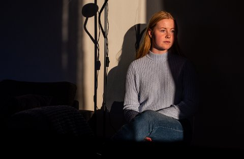 Stina Marie Sveen (19) var 18 år da hun fikk et brutalt møte med arbeidslivet som støttekontakt i Gausdal kommune.