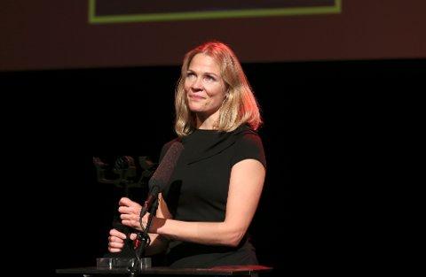 Åsne Seierstad fikk prisen i klassen sakprosa for boka «To søstre» utgitt på Kagge Forlag i 2016. Nå kan hun bli saksøkt for boka.