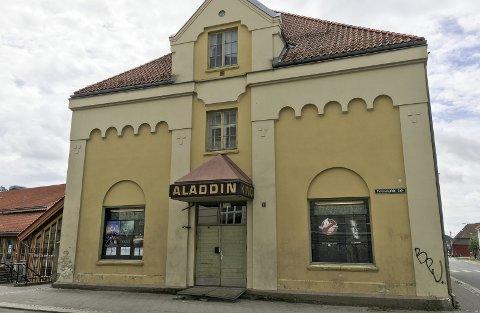 ALADDIN: Aladdin kino hadde sviktende besøkstall i 2017, og med bare èn sal er det mange som drar til nabobyene for å se filmer som ikke blir vist i Halden.
