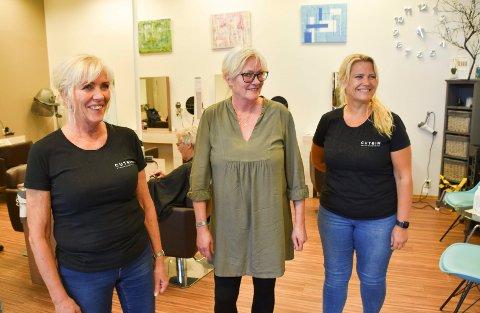 BLID GJENG: Fra venstre: Gerd Anita Martinsen, Gry Alice Lund og Aina Skuggerud. Anette Wangen var ikke til stede da RB stakk innom.