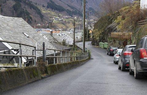 VEI: Det er nesten 200.000 kilometer med vei i Norge, og om lag 20 prosent av disse er kommunale veier. Odda er av kommunene i landet som bruker mest på vei per innbygger. Foto: Eivind Dahle Sjåstad