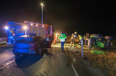 Traktoren havnet av veien etter ulykken.