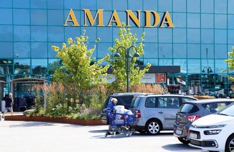 ØKER: Amanda-senteret har fått nye eiere. Handelen øker.