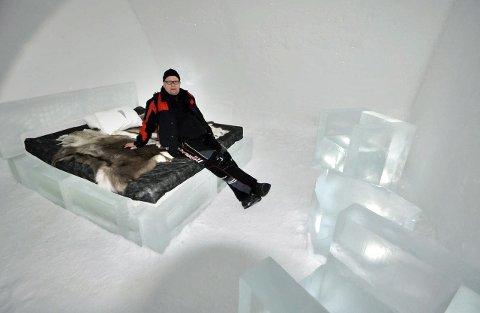 Ishotell: På tidligere turer har gjengen overnattet på ishotellet i Kiruna. Jukkasjärvi Ice Hotel.