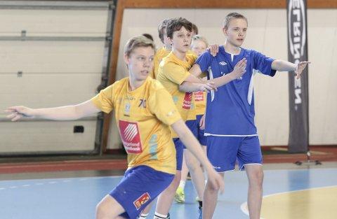 FINALER: Guttespillerne til Sandnessjøen IL var best på hjemmebane. De vant alle tre finalene. Foto: SIL Håndball Ungdom