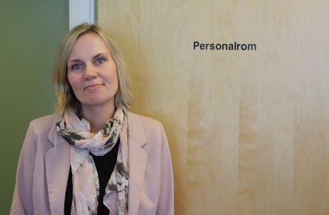 Hanne Maren Valåmo ber om at alle registrerer seg i vaksinekøen, også borteboende studenter.